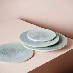 Coyote Atelier ceramics inspiration: Structure — Norwegian contemporary crafts and design. Pottery Plates, Ceramic Plates, Milan Design Week 2017, Keramik Design, Design Textile, Ceramic Houses, Artisanal, Colour Schemes, Design Crafts