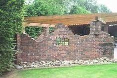 Design the ruin wall in the living room - Zaun Brick Design, Patio Design, Old Brick Wall, Iron Gates, Garden S, Garden Landscaping, Paths, Outdoor Living, Pergola