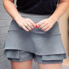 """9ec777d73 Fernanda Sollito on Instagram: """"O shorts saia que vai agarrar em você e não  vai mais querer tirar! #happyfriday #tgif #bonslooks #fernandasollito"""""""