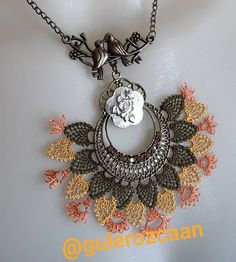 No photo description available. Elsa, Needlework, Diy And Crafts, Pendants, Pendant Necklace, Model, Jewelry, Watches, Fashion