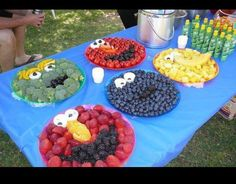 Sesame Street fruit plates - love this idea !!!! (kids party)