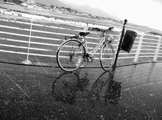 Bici e Grandine…bicycle and hail… pontile- marina di massa- bnnrrb on Flickr.
