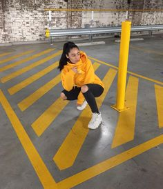 756 vind-ik-leuks, 63 reacties - M A Z A (@mazaaa) op Instagram: 'Reserved parking. Yellow teletubbys only 🌝✨🚧⚡️🚖🌼'