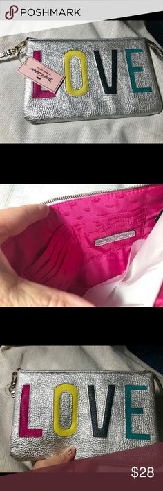 Juicy Couture Makeup bag NWT 10x6 1/2 Juicy Couture Bags Cosmetic Bags & Cases
