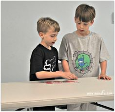 10 year old bd party6 Great 10 Year Boy Birthday Idea: DIY Magic Tricks Party!