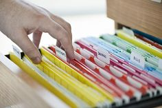 A Simple Home Filing System You'll Actually Use Drowning in papers and paper clutter? Here's a simple process to organize a home filing system that is flexible, easy-to-use and will work for your forever. Office Organization Tips, Organizing Paperwork, Paper Organization, Organizing Your Home, Office Storage, Organising, Office Ideas, Clutter Organization, Classroom Organization