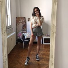 Image shared by ♡ кαяℓα ♡. Find images and videos about outfits on We Heart It - the app to get lost in what you love. Mode Outfits, Trendy Outfits, Summer Outfits, Fashion Outfits, Womens Fashion, Malibu Outfit, Look Fashion, Korean Fashion, Moda Converse