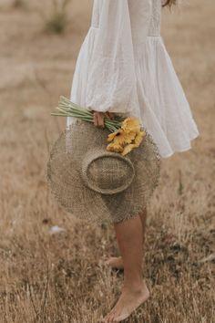 Girl Photography, Creative Photography, Fashion Photography, Kreative Portraits, Photographie Portrait Inspiration, Foto Blog, Mode Vintage, Photoshoot Inspiration, Summer Outfits