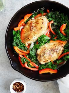 Kale Bell Pepper Chicken with White Wine and Garlic