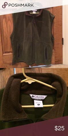 Green XL Columbia Fleece Vest Excellent condition green XL fleece vest by Columbia. Columbia Jackets & Coats Vests