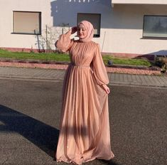 Muslim Evening Dresses, Evening Gowns With Sleeves, Hijab Evening Dress, Hijab Prom Dress, Hijab Gown, Gown With Hijab, Hijab Outfit, Hijab Fashion Inspiration, Simple Dresses