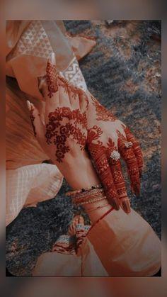 Pretty Henna Designs, Modern Henna Designs, Stylish Mehndi Designs, Henna Art Designs, Mehndi Designs For Girls, Mehndi Designs For Fingers, Mehndi Design Images, Beautiful Mehndi Design, Latest Mehndi Designs