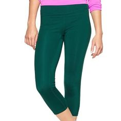 Gap Gfast Leggings Capri Cropped Large L Green Fit Great condition. Worn 2-3 times. Beautiful green color. Originally paid $49.95 for these. GAP Pants