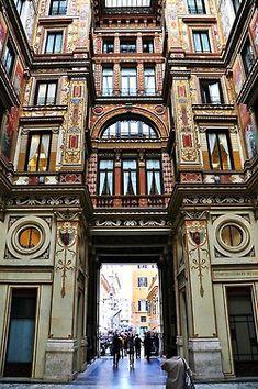 Arcade ♦ Rome, Italy |