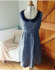 """<p>Really sweet & pretty Handmade ( not by me ) Gingham Washi Dress ( Made By Rae Pattern) Peter Pan Collar 10/12 . </p><p>I bought this dress off eBay from the lady who made it , but I have lost weight & now it's a bit too big . It's brand new , no tags as handmade , ever such a sweet little summer dress - with pockets!!! </p><p>Its just slips over your head , no zips or buttons with a elasticated gathered back . I'm 5'4"""" and it's on my knee . </p><p>I will add proper measurements later but… Washi Dress, Japanese Couple, Flapper Costume, Peter Pan Collar Dress, Riot Grrrl, Casual Dresses, Summer Dresses, 1920s Dress, Lost Weight"""