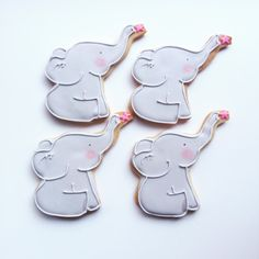 Baby elephant decorated favor cookies for a baby shower. Elephant Party, Elephant Birthday, Elephant Baby Showers, Baby Cookies, Baby Shower Cookies, Cute Cookies, Sugar Cookies, Elephant Cookie Cutter, Elephant Cookies