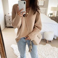 Shop Your Screenshots™ with LIKEtoKNOW.it, a shopping discovery app that allows you to instantly shop your favorite influencer pics across social media and the mobile web. Nude Outfits, Casual Outfits, Fashion Outfits, Womens Fashion, Classy Outfits For Women, Clothes For Women, Nude Jeans, Zara Europe, Comfy Casual