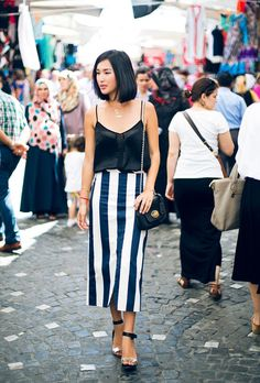ASOS Top(similar here) /ASOS Skirt/Tibi Sandals/Mulberry Bag/Jennifer Zeuner Necklace(image:garypeppergirl)