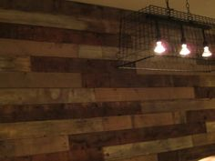 Create a faux wood pallet wall - Wendy James DesignsWendy James Designs Wooden Pallet Wall, Faux Wood Wall, Wooden Pallets, Diy Wood, Barn Board Wall, Cow Kitchen, Palette Diy, Plank Walls, Wood Walls
