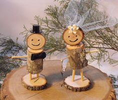 Bride and Groom Log People Cake Topper/Rustic Wedding Cake topper/Mr Mrs Cake Topper/ Rustic log people/Woodland wedding cake topper by OzarkPartySupply on Etsy