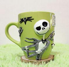 jacks kull cup mug mug with decorhandmade Disney Coffee Mugs, Cute Coffee Mugs, Cool Mugs, Coffee Cups, Polymer Clay Halloween, Halloween Mug, Polymer Clay Crafts, Cute Mug, Nightmare Before Christmas Decorations