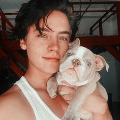 Cole M Sprouse, Sprouse Bros, Dylan Sprouse, Riverdale Netflix, Bughead Riverdale, Cole Sprouse Aesthetic, Cole Sprouse Wallpaper, Lili Reinhart And Cole Sprouse, Dylan And Cole