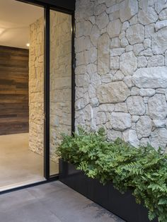 Residential landscape garden design, swimming pool landscape design by award winning landscape architect Steve Taylor, Melbourne Victoria. Front Door Entrance, Front Entrances, House Entrance, Modern Entrance, Front Doors, Exterior Design, Interior And Exterior, Wall Exterior, Stone Feature Wall