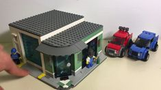Lego City Fire Station, Lego Kits, Awesome Lego, Cool Lego Creations, Lederhosen, Lego Stuff, Custom Lego, Modular Design, Everyday Objects