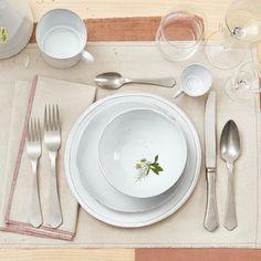 Large Simple Salad Bowl - abc Home Small Dinner Plates, Dining Furniture, Furniture Decor, Modern Furniture, Hand Molding, Side Plates, Dinner Sets, Easy Salads, Salad Bowls