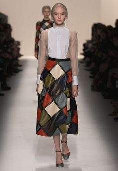 Valentino Official Website - Valentino Women Pret a Porter Fall Winter Collection.