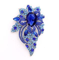 Big Brooch Royal Blue Vintage Wedding Bridal Prom by Crystalitzy Wedding Jewelry, Diy Jewelry, Jewelry Gifts, Vintage Jewelry, Bold Necklace, Diy Necklace, Rhinestone Jewelry, Crystal Rhinestone, Women's Brooches