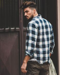 """172.5 mil curtidas, 734 comentários - Mariano Di Vaio (@marianodivaio) no Instagram: """"Look back only to see how far you've gone @NOHOW new collection shirt !"""""""