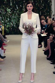Mariée en pantalon   12 tenues pour se marier en pantalon. Tailleur Femme  Mariage · Smoking Marié ... e45b34c9bf72