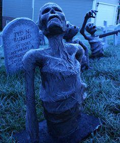 Paper Mache Skulls | Grim Hollow Haunt