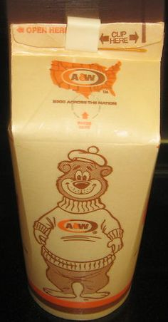 A & W Rootbeer Restaurant, waxed coated paper drink container This was for take home or out. If you got it for there it came in a big glass mug, brought by a car hop on roller skates! Papa burger and fries with a root beer please. Restaurant Drinks, Vintage Restaurant, Good Luck To You, Good Ole, My Childhood Memories, Best Memories, Vintage Advertisements, Vintage Ads, A&w Restaurants