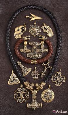 Inspiring Reasons I Love Jewelry Ideas. Intoxicating Reasons I Love Jewelry Ideas. Fashion Bracelets, Fashion Jewelry, Symbole Viking, Neue Tattoos, Gold Chains For Men, Bronze Jewelry, Viking Art, Viking Tattoos, Viking Jewelry