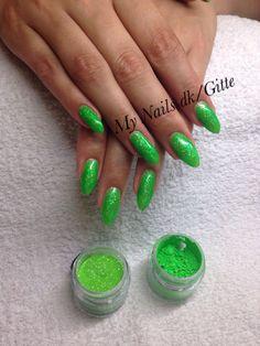 Cnd Nails . Cnd Brisa Gele forlængelse med lækker neon farve.