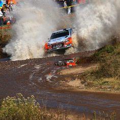 2016 #WRC #아르헨티나 #랠리 에서 뛰어난 활약으로 #1위 를 거머쥔 #헤이든패든 과 #현대월드랠리 팀 !  #Hyundai_World_Rally #team and #HaydenPaddon won #first place in 2016 WRC #Argentina #Rally !  #ThierryNeuville #DaniSordo #i20 #world #motorsport #VillaCarlosPaz #victory #mud #photooftheday #instadaily #티에리누빌 #다니소르도 #비야카를로스파스 #우승 #진흙탕 #현대자동차 #자동차 #자동차그램