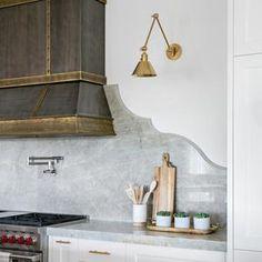 Kitchen Hoods, New Kitchen, Kitchen Hood Design, Kitchen Layout, Modern Farmhouse Kitchens, Home Kitchens, Modern French Kitchen, Old Farmhouse Kitchen, Farmhouse Sinks