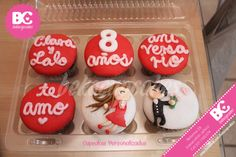 couple love aniversary/ fondant and chocolate... delicious by www.facebook.com/bekacupcakes