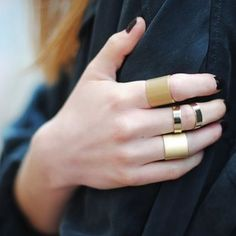 #stealthelook #look #looks #streetstyle #streetchic #moda #fashion #style #estilo #inspiration #inspired #acessorios #rings #anel #aneis #dourado #falange