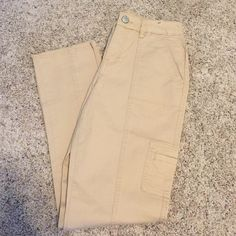 New size 4 Nine West slim straight New with tags, size 4 slim straight Nine West Shannon jeans. From their vintage America collection. Slimming, sits at natural waist, slim leg openings, and stretch. Smoke free home. Cotton and spandex. Nine West Jeans