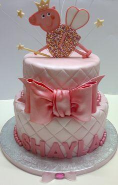 Peppa Pig cake code gets off Tortas Peppa Pig, Bolo Da Peppa Pig, Fondant Cakes, Cupcake Cakes, Pig Birthday, Birthday Cakes, Birthday Ideas, Pig Party, Novelty Cakes