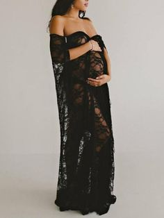 Maternity Robe Aphrodite Robe Vintage Lace Robe ❣️ 🌷 🐷 For more styles like this. Studio Maternity Shoot, Maternity Photography Poses, Maternity Gowns, Maternity Fashion, Pregnancy Outfits, Pregnancy Photos, Vetement Fashion, Maternity Pictures, Vintage Maternity Photos