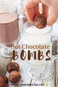 Hot Chocolate BOMBS EASY Homemade Hot Chocolate Recipe that's made ahead of time and frozen. Check out the video to see how to make hot chocolate for one or for the whole family! Chocolate Spoons, Hot Chocolate Mix, Hot Chocolate Gifts, Melting Chocolate, Hot Chocolate Recipe Easy, Homemade Hot Chocolate, Christmas Treats, Christmas Baking, Christmas Brunch