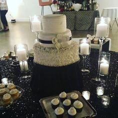 Yummy cake and cupcakes tonight! #wedtour #wedtourraleigh @allsaints1875