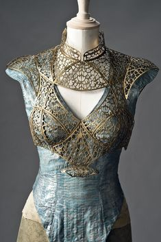65 Ideas games of thrones clothes costumes Got Costumes, Cosplay Costumes, Game Of Thrones Dress, Fantasy Gowns, Fantasy Costumes, Character Outfits, Facon, Narnia, Corsets