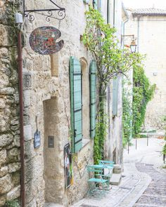 Artist shop in Uzes France... by frenchlarkspur