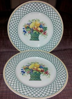 2 VILLEROY  BOCH PRISTINE DINNER PLATES BASKET PATTERN  10.5 in diameter. Made in Germany