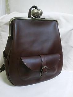 Vintage Purses, Vintage Bags, My Bags, Purses And Bags, Leather Bag Tutorial, Sac Week End, Frame Purse, Leather Bags Handmade, Leather Accessories